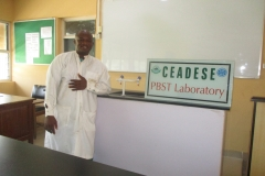 Laboratory Scientist in the CEADESE PBST Laboratory
